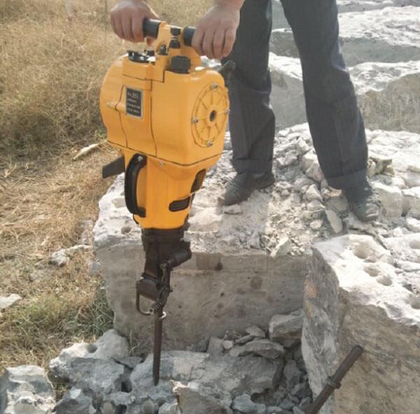 Gasoline rock drill1